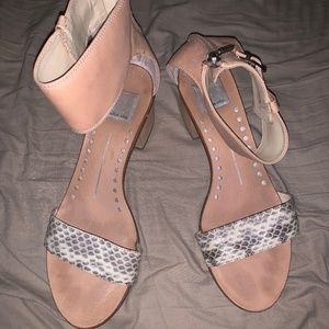 Dolce Vita (DV) Sandals Size 9